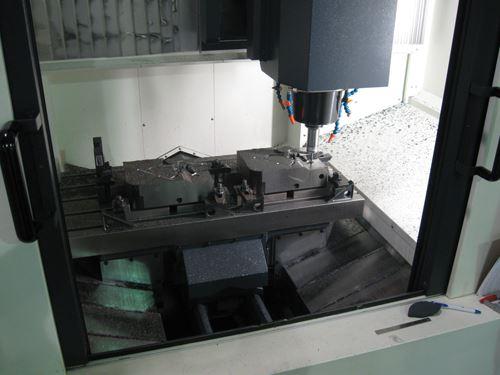20,000-rpm machining center