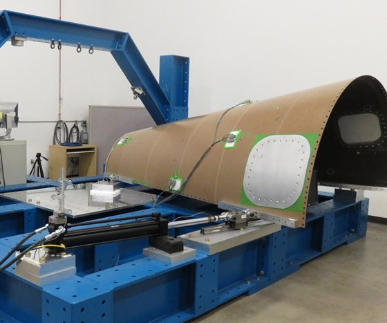 San Diego Composites large-scale load frame
